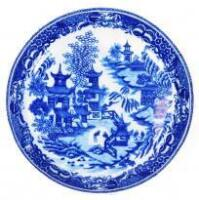 An 18thC Worcester blue and white saucer dish