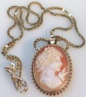 A 9ct gold mounted shell cameo