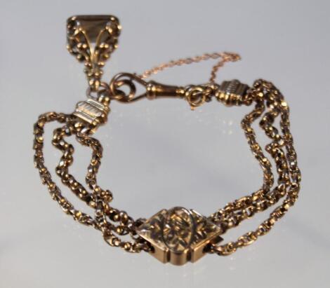 An adjustable three strand chain
