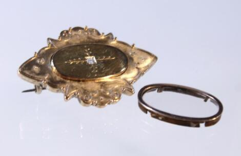 A late 19thC brooch