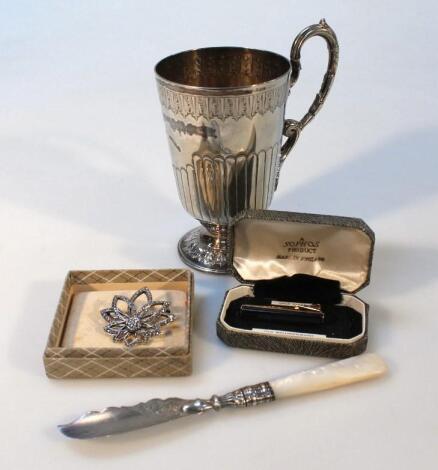 An Edwardian silver plated christening tankard