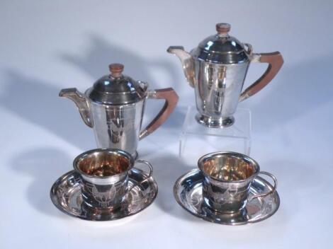 An early 20thC part tea service