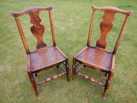 Two similar 18thC elm single chairs