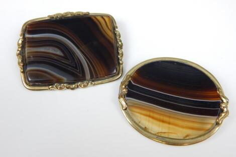 Two agate brooches