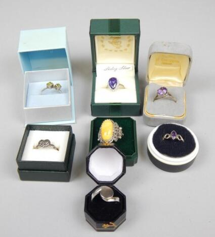 Various silver and other dress rings