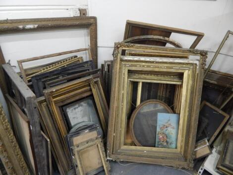 A large quantity of 19thC and later picture frames