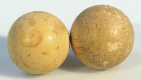 A 19thC ivory snooker ball