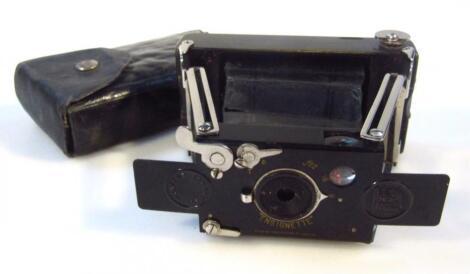 A mid-20thC Ensignett camera by Houghtons Ltd