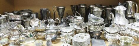 A large quantity of early 20thC and later platedware