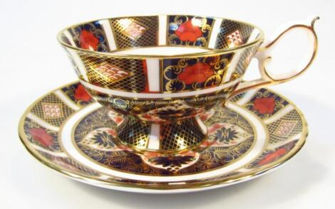 A Royal Crown Derby Imari pattern teacup and saucer