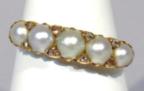 An early 20thC ladies 18ct gold ring