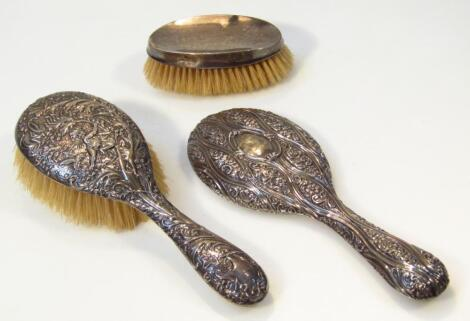 Various George V and later silver dressing table accessories