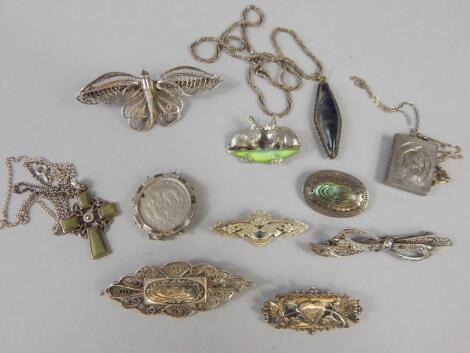 Various silver and white metal brooches
