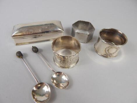Various items of small silver