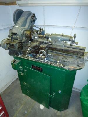 A Myford Super 7 engineers lathe
