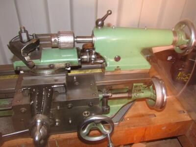 A Myford Super 7 metal turning lathe - 3