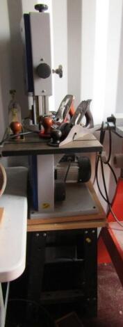 A Metabo Electra Beckum BAS250G Mini bandsaw.