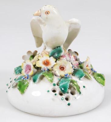 An 18thC Derby porcelain pot pouri vase cover - 2