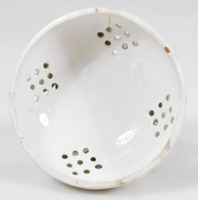 An 18thC Derby porcelain pot pouri vase cover - 5