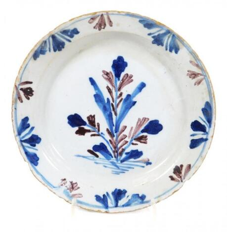 An early 18thC English Delft side plate