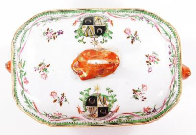 An 18thC Chinese export porcelain armorial famille vert dish and cover - 6