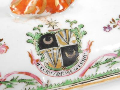 An 18thC Chinese export porcelain armorial famille vert dish and cover - 9