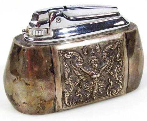 A Ronson table lighter