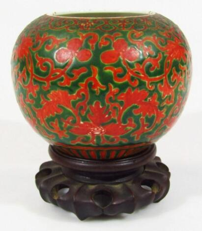 A Chinese porcelain Kangxi style porcelain bowl
