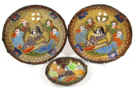 A pair of Japanese satsuma plates