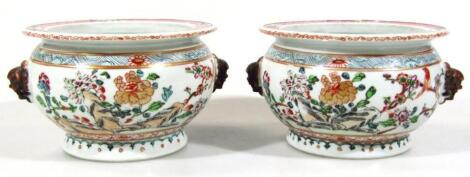 A pair of early 19thC Chinese famille rose bowls
