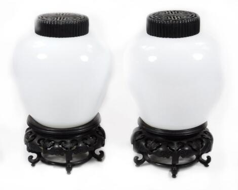 A pair of Chinese Peking glass vases