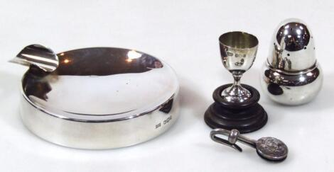 Various silver to include an Elizabeth II pipe rest