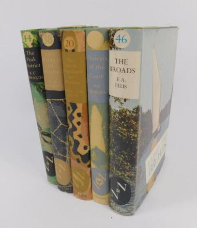 New Naturalist Series. 22 vol