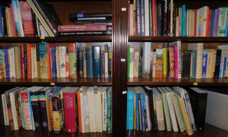 Books.- Oriental art and culture