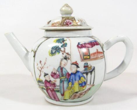 An 18thC Chinese Export porcelain teapot