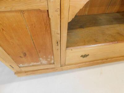 A reclaimed pine dresser - 2