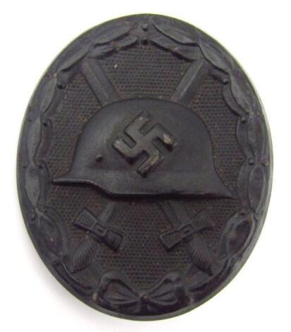 A Third Reich wound badge