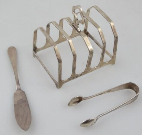 A George V silver four branch toast rack