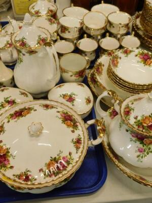 A large quantity of Royal Albert Old Country Roses pattern tea and dinner ware etc. - 3