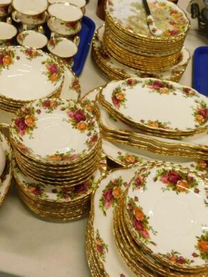 A large quantity of Royal Albert Old Country Roses pattern tea and dinner ware etc. - 4