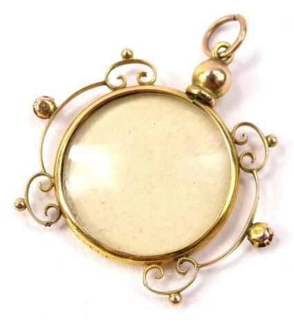 A Victorian photograph pendant