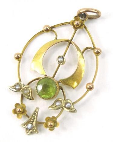 A 9ct gold Art Nouveau pendant