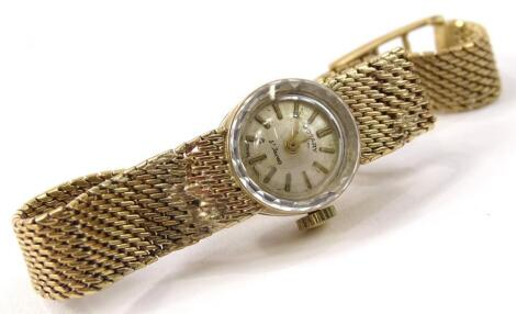 A 9ct gold Rotary ladies wristwatch