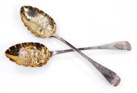 A George IV silver and silver gilt preserve spoon