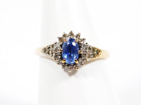 A ladies gold floral set dress ring