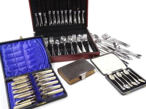 A Butler stainless steel canteen of cutlery