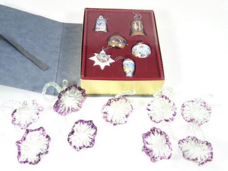 Various barleytwist glass flowerheads
