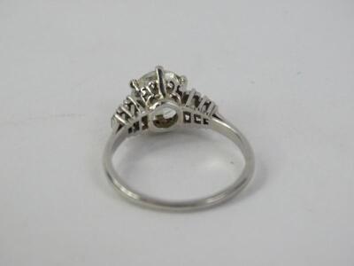 A platinum diamond ring - 2