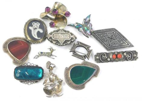 Various silver and pewter brooches