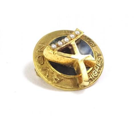 A 9ct gold Avon Highest Honour pin badge